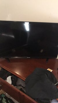 Black 32inch sharp tv barely used works brand new  Bolton, L7E 1T2