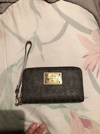 black Michael Kors leather wristlet Toronto, M6P 4G6