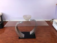 White glass top table never used open box !!! Los Angeles, 91402