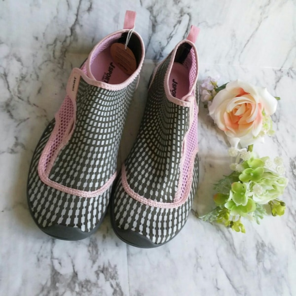 f2de29e1c0d070 Used New Jay sport grey and pink mermaid water shoes for sale in Topeka -  letgo