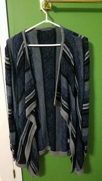 Ladies cardigan size large Hamilton, L9B 2R9