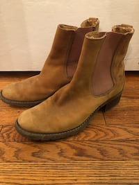 Timberlands size 10 London, N5X 1L4