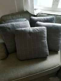 5 Couch pillows  Jackson, 08527