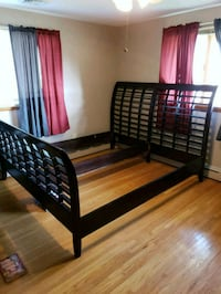 King frame hb and fb, dresser and mirror, and nigh Buffalo, 14225