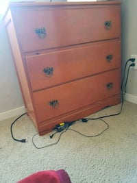 3 chest drawer (Moving sale) Calgary, T3N 1L7