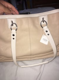 Women's white leather shoulder bag Anaheim, 92802