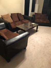 Used 3  pieces furnitures with one table great condition. Lorton, 22079