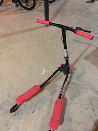 Red and Black Fliker A3 Air Scooter $45 Franklin, 37069