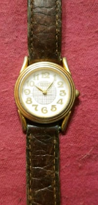 Womans 1990 Guess Watch w/ Stainless Steel Back Hopewell Junction, 12533