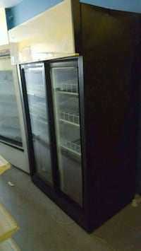 black and white commercial refrigerator Montreal, H1K 2X5