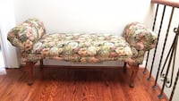 Vintage bench 3 1/2 ft wide Toronto, M3J 1Y4