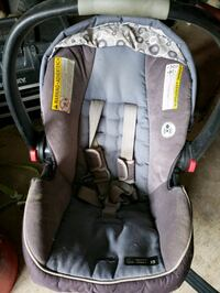 baby's gray and black car seat carrier Upper Marlboro, 20774