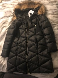 Guess black puffer jacket Coquitlam, V3B