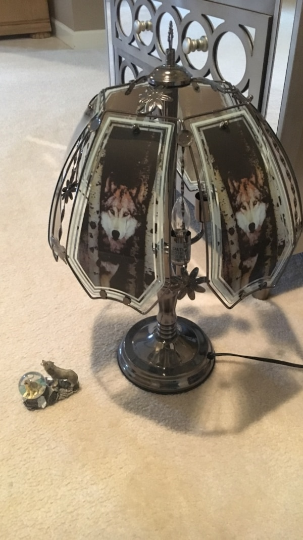Gray and black touch table lamp 5133a997-777b-4018-8a4b-64e74f495fff