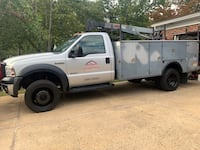 2006 Ford F-350 Super Duty Chassis Cab XLT Regular Cab