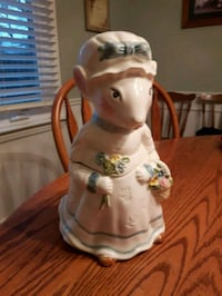 Weiss hand painted mouse cookie jar. $25 firm