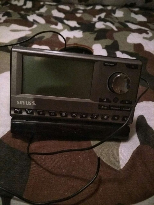 black sirius satellite radio