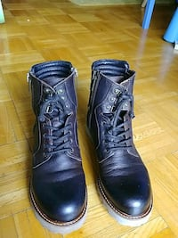 pair of brown leather boots mens size 10 Toronto, M2R 1J5