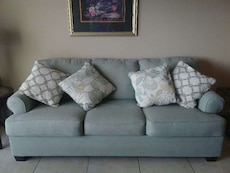 Very cute couch!