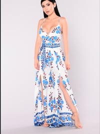 Women's white and blue floral spaghetti strap v-neck side-slid maxi dress Falls Church, 22041
