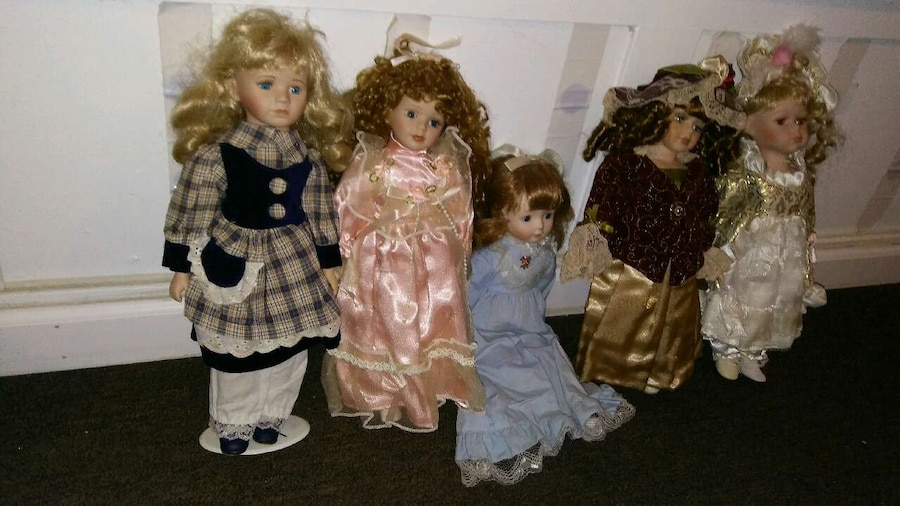Photo American Doll Collectibles