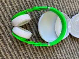 Beats Mixr Lime Green in original case