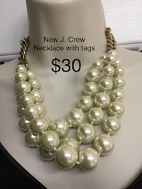Stunning New with tags J. CREW pearl and heavy chain necklace.