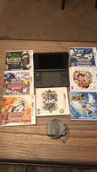 Nintendo 3ds Xl w/charger and 7 games. Like new, only played 3 times. No scratches on screen. Inwood, 25428