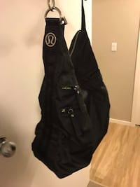 Lululemon large black messenger bag  Kelowna