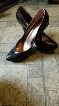 Dark Brown Leather pumps size 10 Lake Country, V4V 2H1