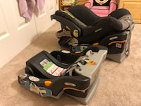 Chicco Keyfit 30 infant car seat plus extra base. Alexandria, 22307