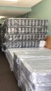 gray and white plaid bed sheet Baltimore, 21222