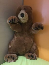Giocattolo peluche marrone grizzly marrone