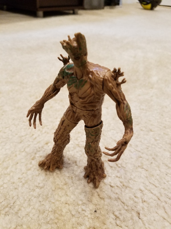 Marvel Guardians of the Galaxy Galactic Battlers Groot Action Figure