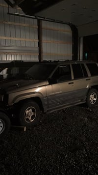 1996 grand Cherokee for parts Dale, 15902