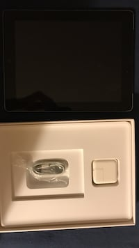 IPad 4 generation 32gb takes SIM card and price is negotiable Manalapan, 07726