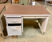 "Desk 30""x45"" three draws Des Moines, 50320"