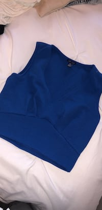 NAVY BLUE TOP. SIZE SMALL   Toronto, M8Y 3H8