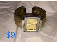 Suisse Bangle wrist watch Gold colored band, silver colored casing New battery Bedford, 47421