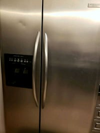 stainless steel side by side refrigerator with dis Brampton, L6S 6H6