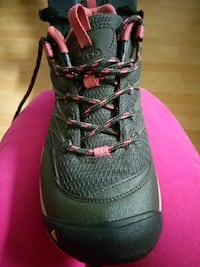Keen shoes hiking shoes women's size 10 Vancouver, V5X 1N4