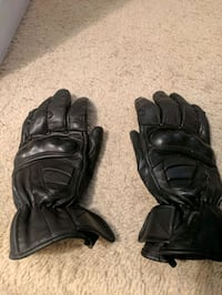 Black woman's motorcycle gloves M Mississauga, L4W 3P5