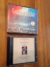 Les miserables and phantom of the opera soundtracks CD'S nice