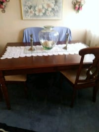 Dining room table Dundalk, 21222