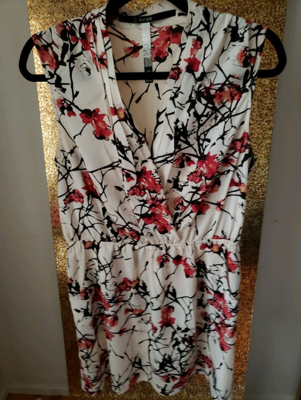 35 pieces of gorgeous womens clothing!  0f16d42a-ca8f-4044-8af6-c3c966c207c3