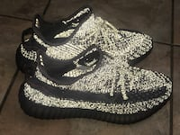 Yeezy black reflectors size 9.5.. make me an offer Suitland-Silver Hill