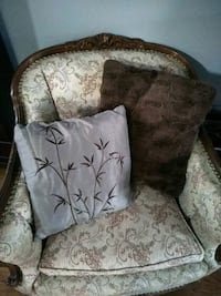 Two brown decorative throw cushions London, N5V