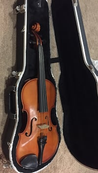 "15"" viola with hard case- needs bow but does have chin rest Burke, 22015"