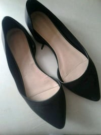 Forever 21 shoes fits 7.5 - 8 size 554 km