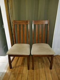 4 solid wood chairs Richmond Hill, L4C 2P7